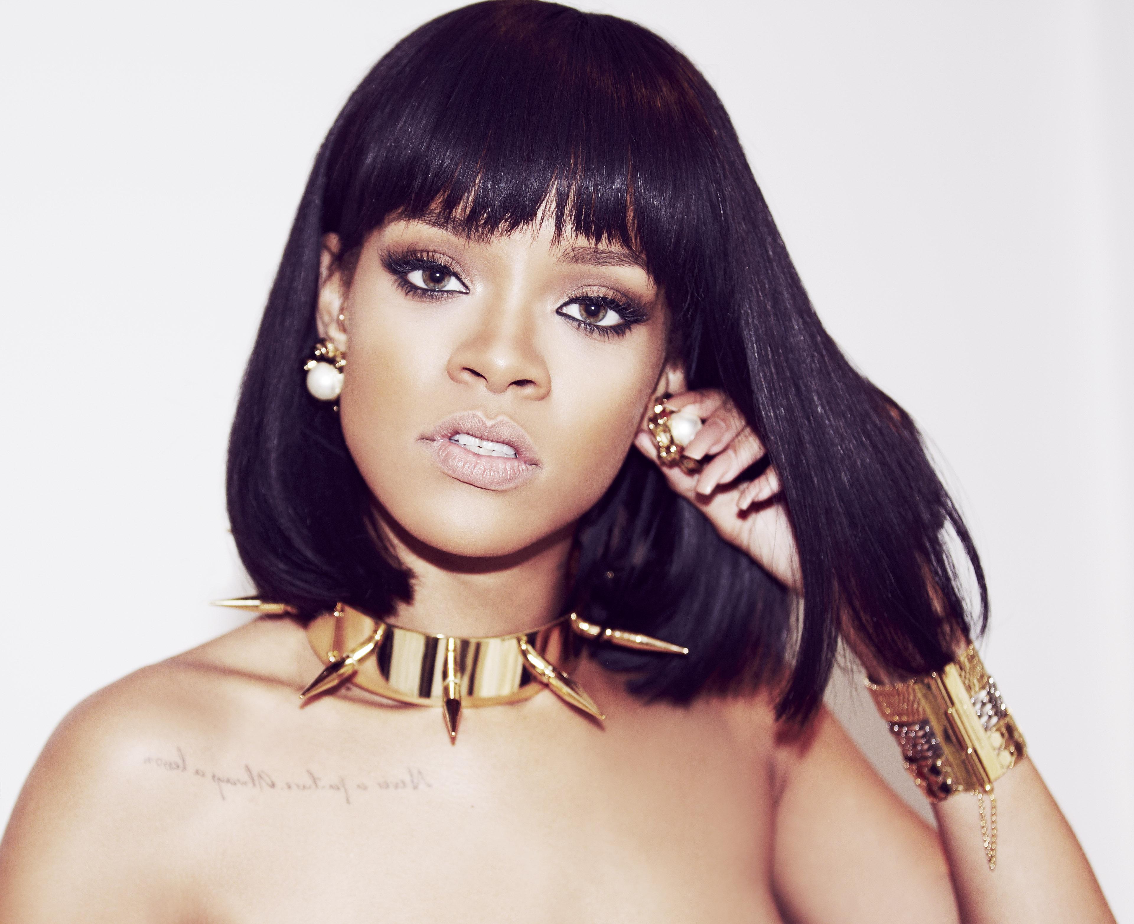Rihanna-iHeart1